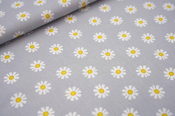 Baumwolle mit Gänseblümchen Blüten auf silbergrau