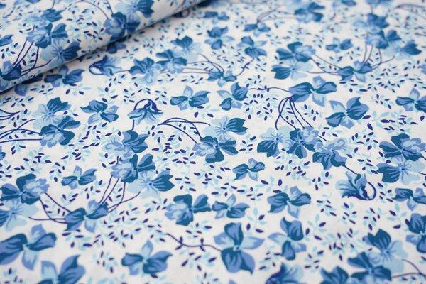 Baumwollstoff blaue Blumen auf weiß