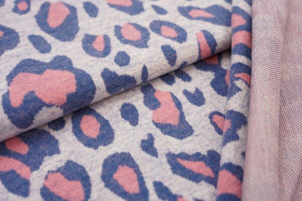 Kuschel Jacquard-Sweat Max XXL Leoparden Muster taupe blau / koralle / off white
