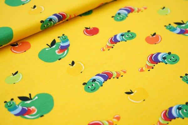 Baumwoll-Jersey bunte Raupen Würmer und Äpfel auf gelb Wurm im Apfel