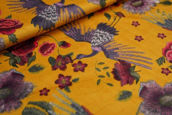 Samtiger Velours Dekostoff Blumen und Kraniche auf senf ockergelb Vogel Vögel